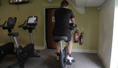 Gym machines: Exercise bike